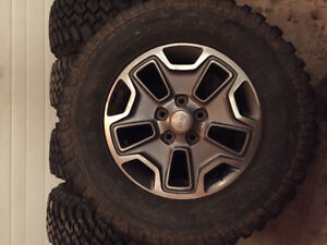 Jk rubicon wheels and tires