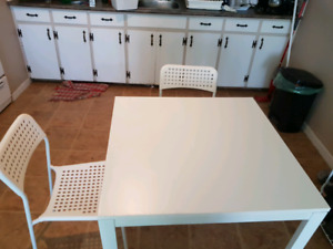 table de salle a manger IKEA / ikea dining table