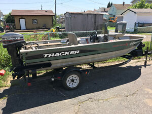 14 foot Tracker with side console