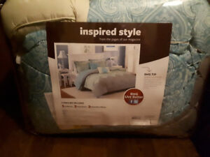 Brand new king size bed set. 5 pc