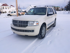 2007 Lincoln Navigator SUV 7 seater low kms