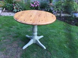 Lovely Circular Pine Table