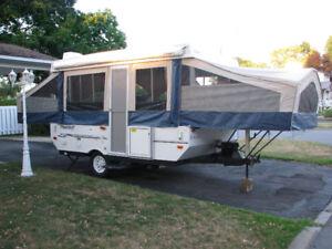 Tente roulotte Flagstaff MAC 2011 modèle 228D  Impeccable