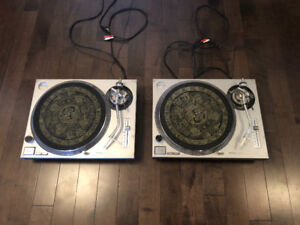2 Technics 1200 MK2 turntables with Ortifon cartridges