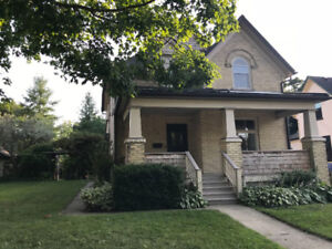 Open-concept, 3-bedroom family home in the heart of UpTown