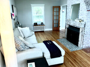 Charming Downtown Dartmouth Furnished house