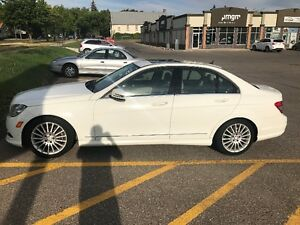 2010 Mercedes PRISTINE CONDITION, LOW KMS, NO ACCIDENTS