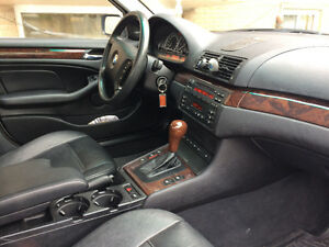 2002 BMW 330 xi with navigation, bluetooth and back camera
