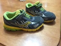 Saucony sneakers size 8