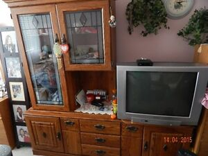 SOLID WOOD HUTCH AND BUFFET SET WITH SWIVAL STAND FOR TV.