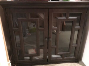 UNIVERSAL BROADMOORD ACCENT CHEST ****MINT CONDITION ****