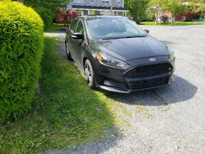 Ford focus ST 2015 negotiable