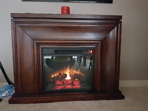 ELECTRIC FIREPLACE FULL WORKING CONDITOIN