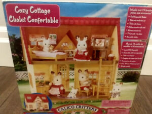 Calico Critters Cozy Cottage Set + Eight Calico Critters