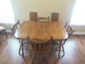 TABLE AND CHAIRS ( SOLID WOOD)