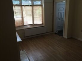 2 DOUBLE BEDROOM HOUSE JUST DECORATED