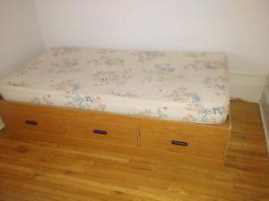 Single bed mattress - good shape