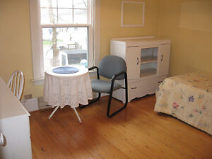 FURNISHED ROOM IN OWNER'S HOME-GREAT CENTRAL LOCATION
