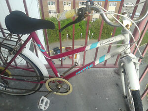 LADIES PANTHER BIKE FOR SALE PINK ,WHITE AND BLUE $100
