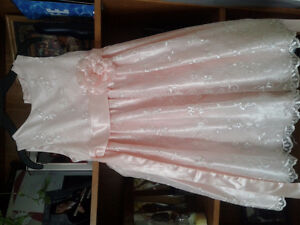 Size 6 Peach/light pink flower girl dress