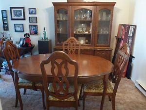 Cherry wood - French Provincial dining room set