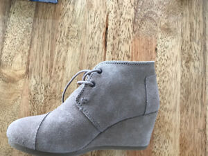 Toms ankle boots in size 6