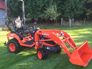 2014 Kubota BX2670 tractor-25.5 HP