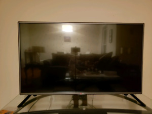 LG 43 inch LED tv for sale