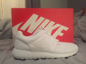 New Men's Nike Roshe All White Shoes Size 12 Cambridge Kitchener Area image 1