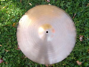 "Cymbale Crash/Ride A Zildjian Vintage 18"" 1970's"