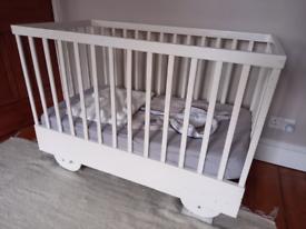 Wood baby bed Vintage