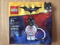 LEGO Batman Movie Kiss Kiss Tuxedo Keyring