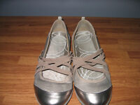 Silver and Dusty Rose Flats Size 8