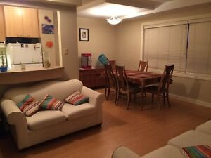 Pet friendly, 2 bedroom appartment in St.James for Sublet (Sept)