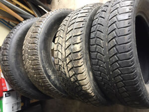 4x Hiver 205/65R15 94s Uniroyal Tiger Paw Ice &snow