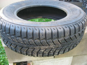 1 single snow tires 185/70/R14 very good tire