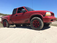 Must go before the weekend! 02 Sonoma 4x4 parts truck