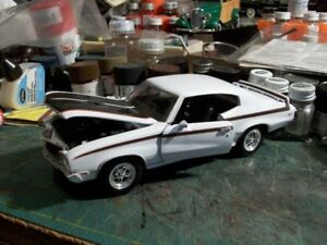 1/24 scale diecast cars