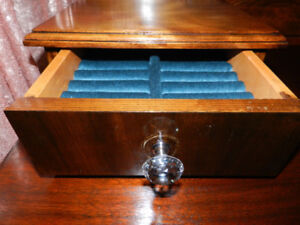 GREAT DEAL 1930 Gorgeous Antique Vanity Crystal Knobs+Throne
