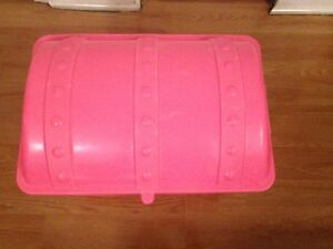 Pink Storage box with dome shape cover West Island Greater Montréal image 2