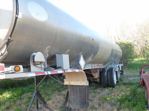 Various Oil Trailers For Rent