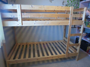 WOOD BUNK BED TWIN OVER TWIN