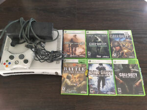 Xbox 360(White) 1 controller and 6 Games (H)