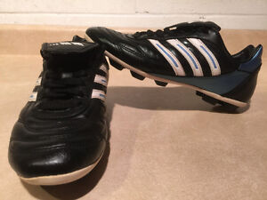 Women's Adidas Outdoor Soccer Cleats Size 7 London Ontario image 5