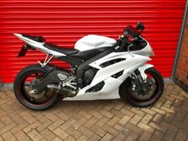 2010 YAMAHA YZF R6 09 WHITE LOW MILEAGE DELIVERY AVAILABLE