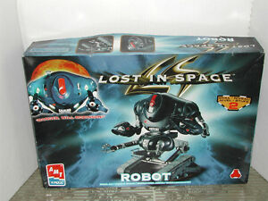 "Modele reduit Robot ""Lost in Space"" de AMT"