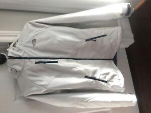 Veste sans manche, softshell et manteau en duvet North Face