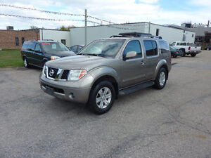 2006 Nissan Pathfinder LE - 7 Seater - Certified
