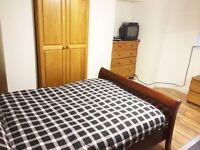En-suite Double room in a lovely house share in Openshaw