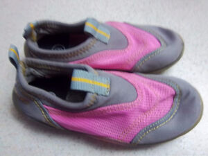 Girls Beach Shoes Roots Brand Kitchener / Waterloo Kitchener Area image 1